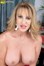 Annette desires to watch you jack off