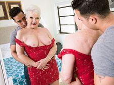 Jewel is 66. Her granddaughter's husband is 24.