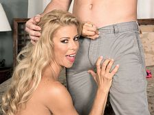 Alexis Fawx and the luckiest lady-killer in the universe