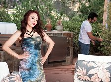 Red-hot SEXY HOUSEWIFE Claudia receives ass-fucked by the gardener