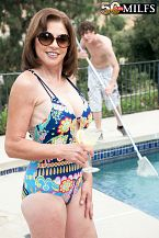 The pool buck bonks Cashmere's ass