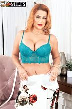A new Latina MILF with a very pink pussy